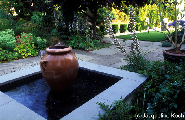 Container fountain traditional-landscape