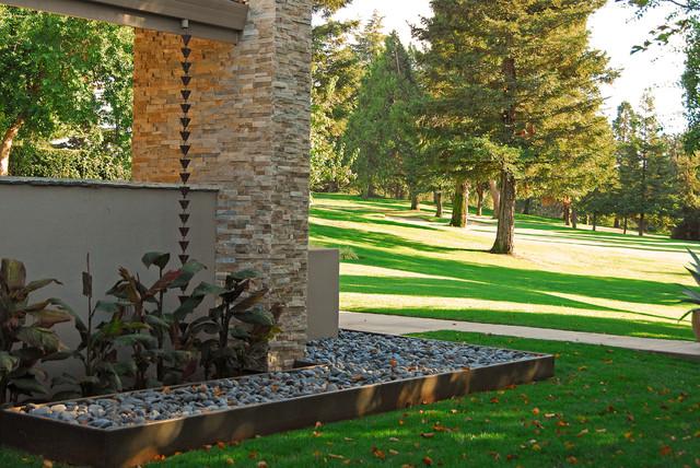 contemporary backyard makeover contemporary landscape sacramento by westfall design studio. Black Bedroom Furniture Sets. Home Design Ideas