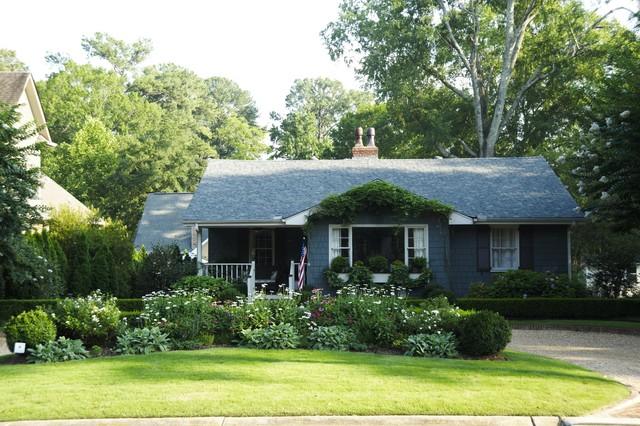 Contemporary cottage garden landscape for Cottage home landscape design