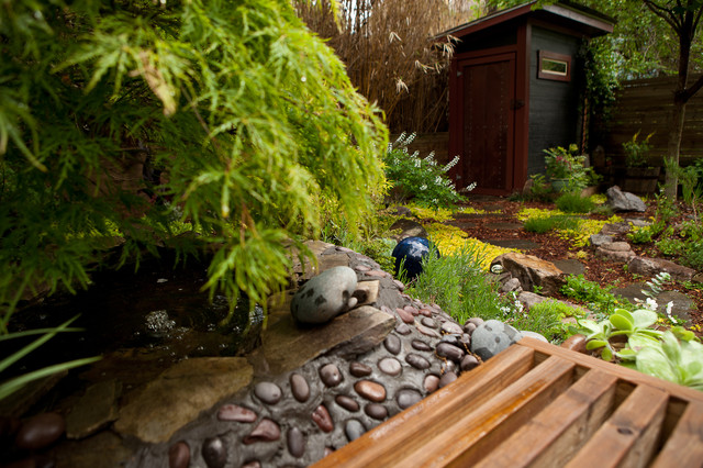 Contemporary eclectic Japanese inspired garden Asian