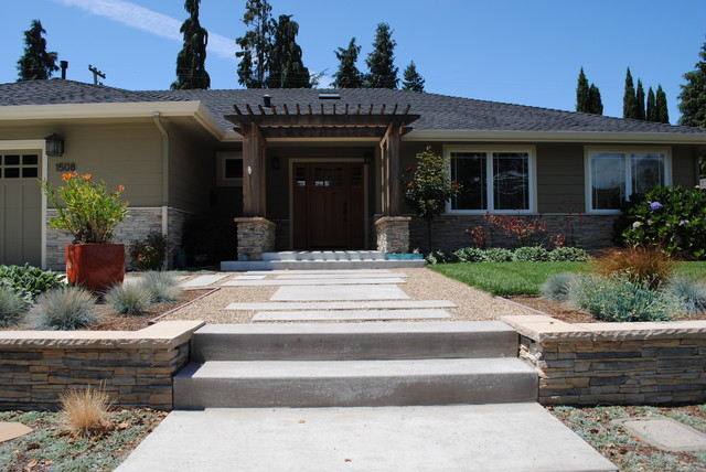 Contemporary front yard in mountain view contemporary for Contemporary front yard landscaping