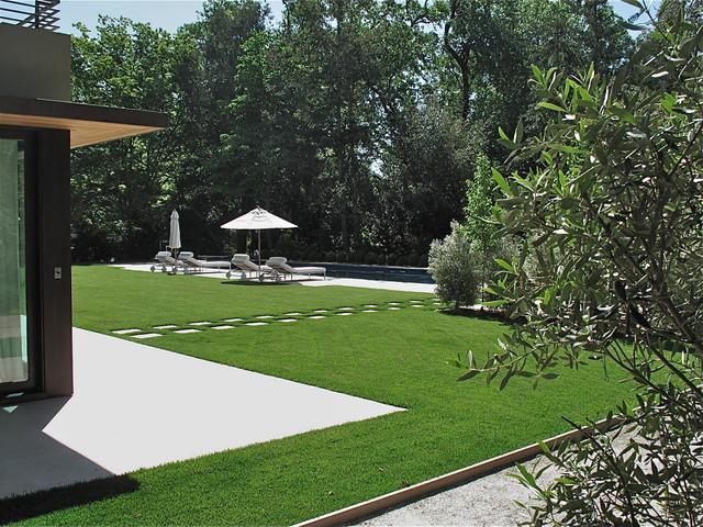 Contemporary residential garden design for Residential garden design