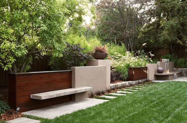 Contemporary wall contemporary landscape other metro for Modern backyard landscaping