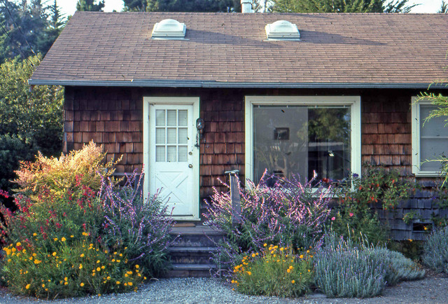 Cottage Garden, Aptos traditional landscape