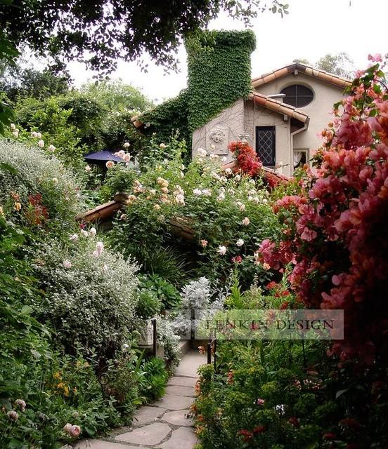 Garden Decor Los Angeles: Cottage Garden