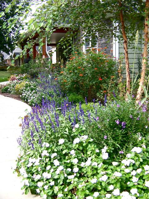 Cottage Gardens traditional-landscape