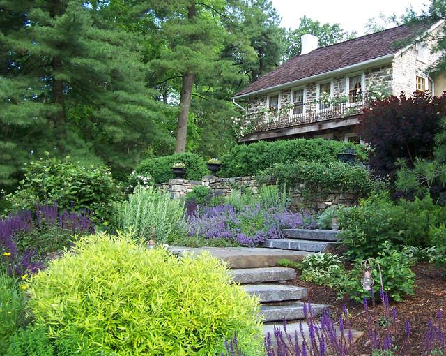 Cottage Guesthouse Garden farmhouse-landscape