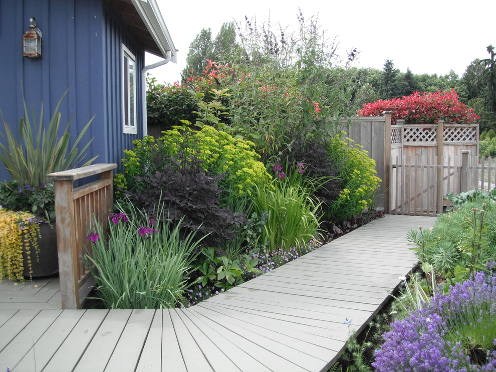 This is an example of a traditional landscaping in Vancouver.