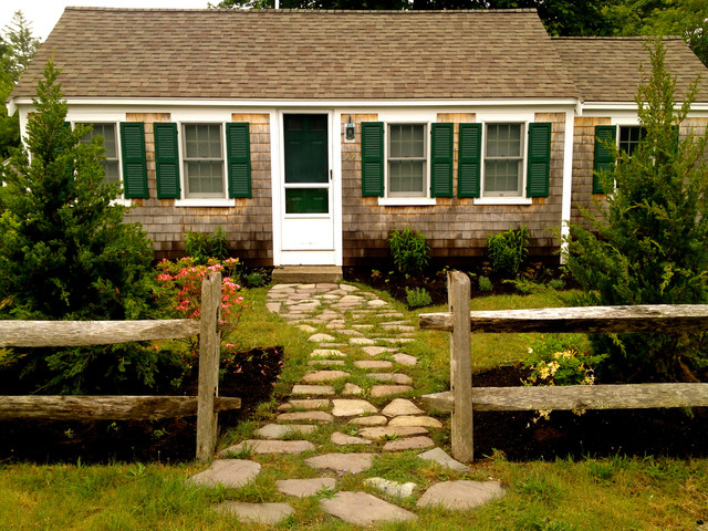 Cottage Style Cape Cod Planting And Stepping Stone Path Beach style landscape