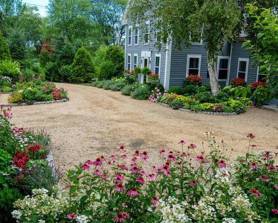 Driveway flower bed home design ideas pictures remodel for Farmhouse landscaping ideas