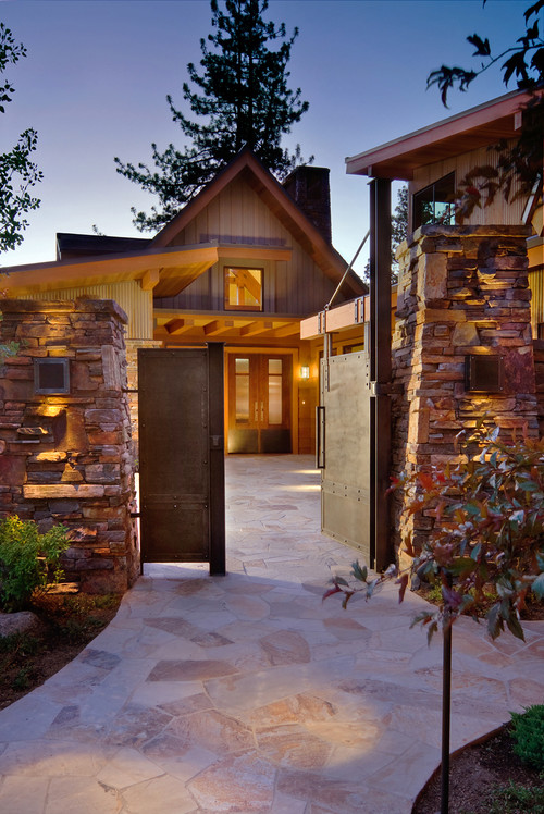 Courtyard Entry contemporary entry