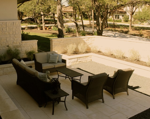 Courtyard seating area contemporary landscape austin for Area landscape architects