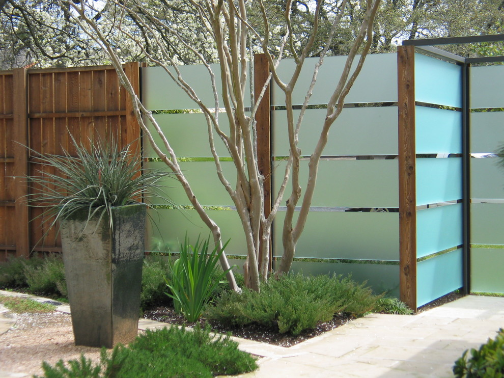 Photo of a contemporary stone landscaping in Austin.
