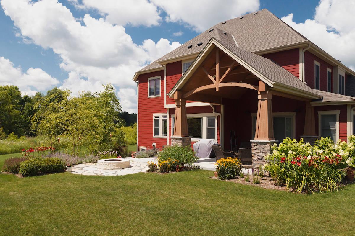 Craftsman Backyard Landscape -  Grafton