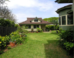 Craftsman Cottage tropical landscape
