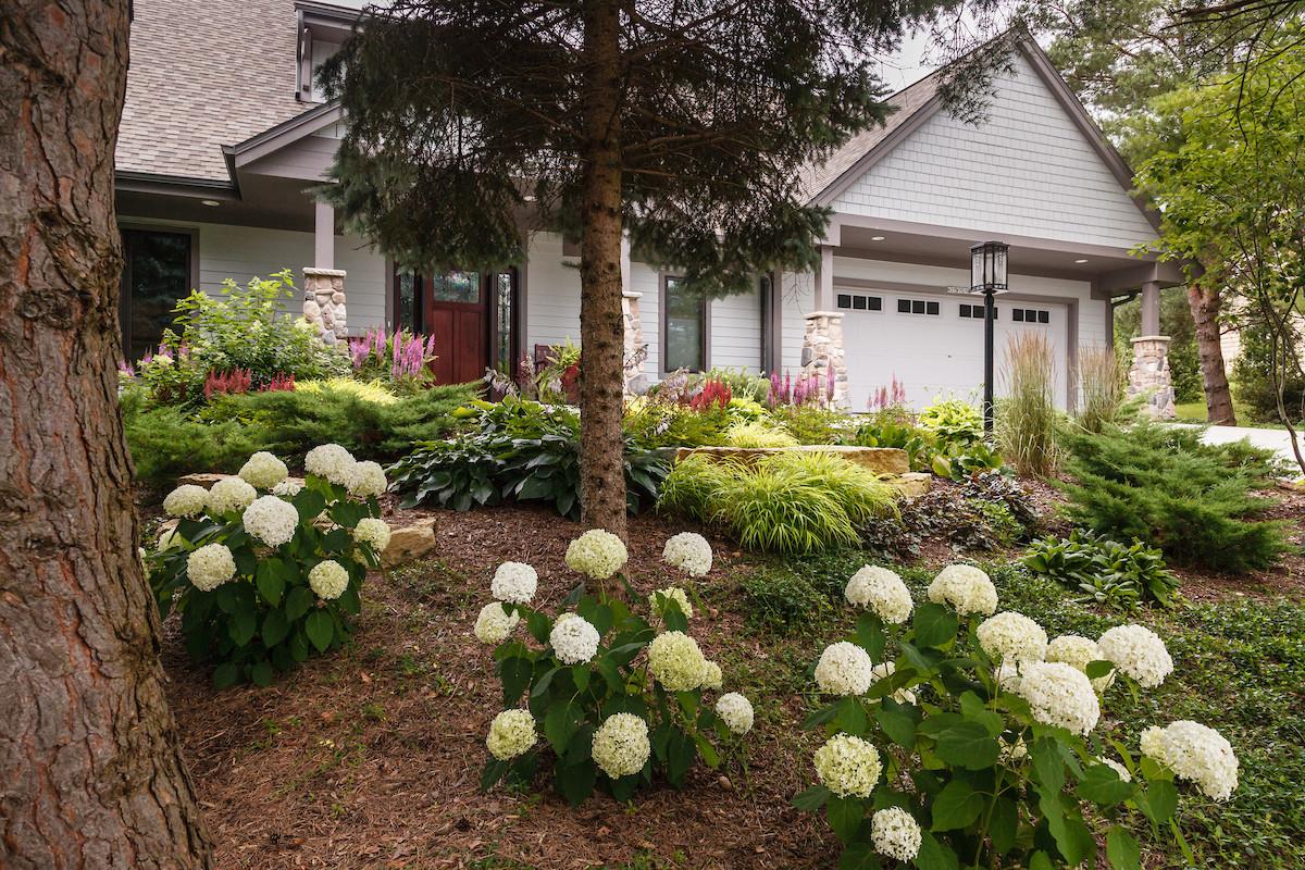 Craftsman Shade Garden - Cedarburg