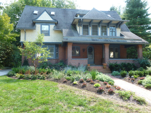 craftsman style home landscape design in merion square