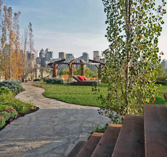 Crescent Residence eclectic-landscape