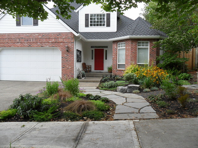 Curb appeal traditional landscape portland by plan for Curb appeal landscaping