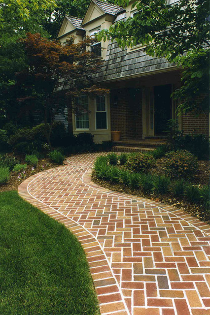 Curved Brick Walkway Traditional Landscape Dc Metro