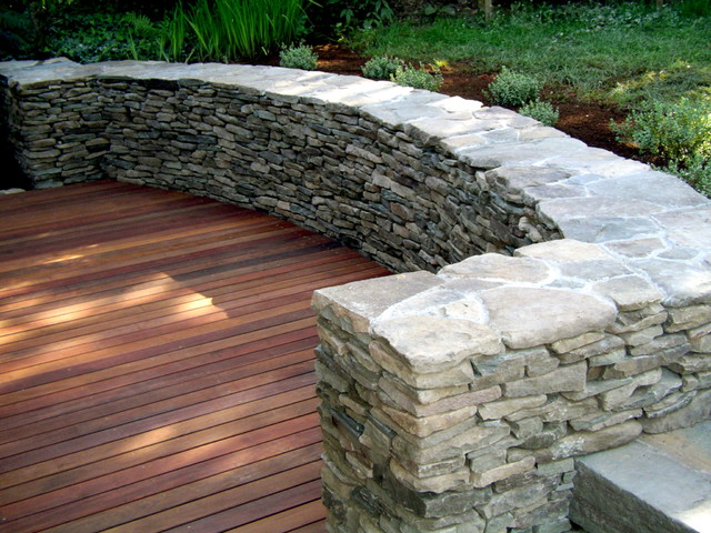 Garden Design: Garden Design With Curved Stone Wall And Steps