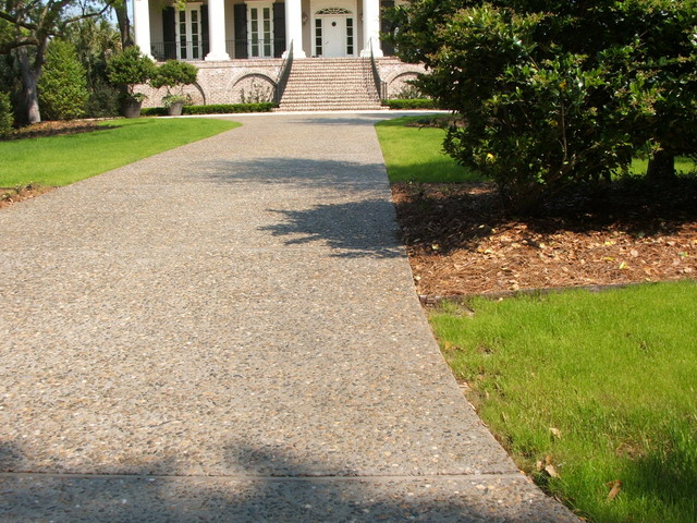 custom hardscape and masonry traditional landscape charleston