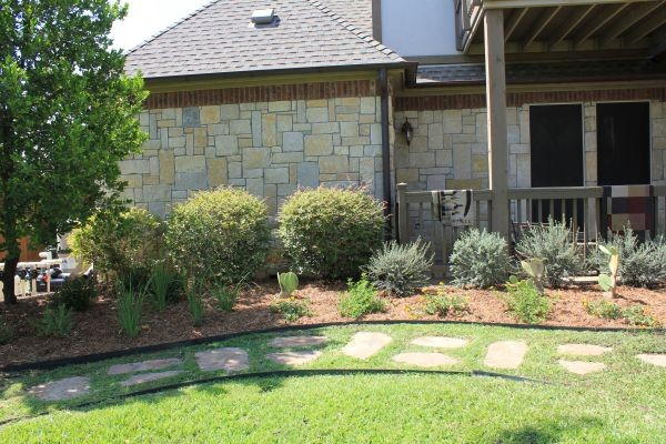 Custom landscape design dallas tx contemporary for Garden design landscaping dallas tx