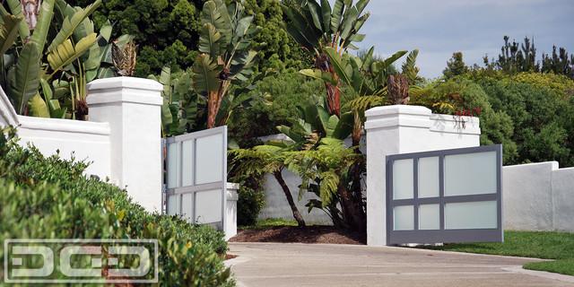 Custom Motorized Modern Driveway Gate by Dynamic Garage Door in Newport Beach CA modern-landscape & Custom Motorized Modern Driveway Gate by Dynamic Garage Door in ...