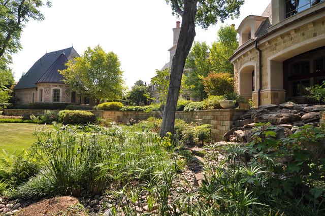 Dallas Area Residence traditional-landscape