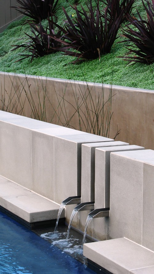 8 Simple And Practical Ideas For Water Features And Fountains