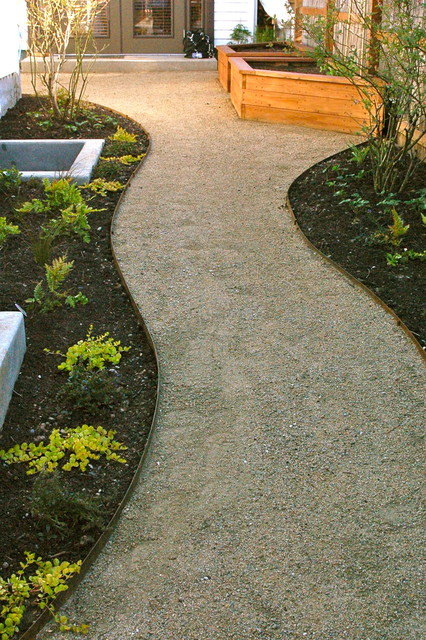 Decomposed granite paths, steel edging. - Contemporary ...