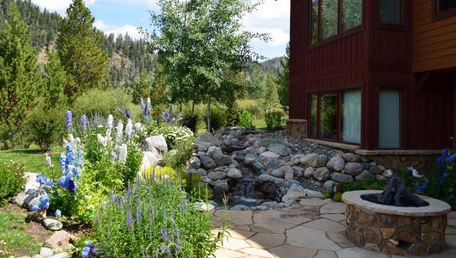 Design Build Mountain Home Landscape In Breckenridge Co Rustika Sad Ot Eksperta Neils Lunceford Inc Houzz Rossiya
