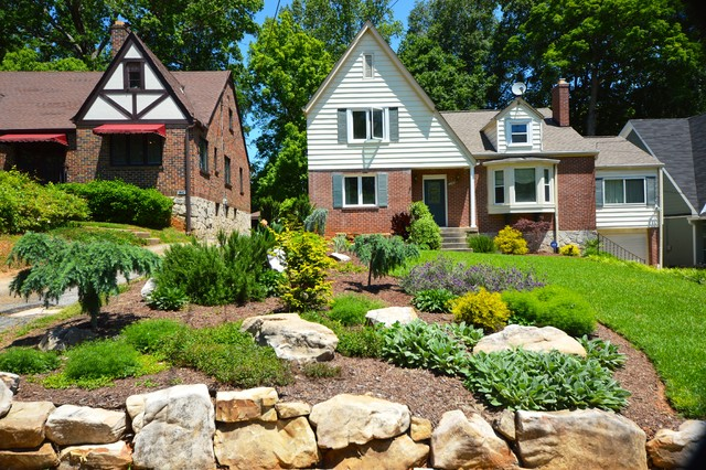 Design by Outdoor Makeover traditional-landscape