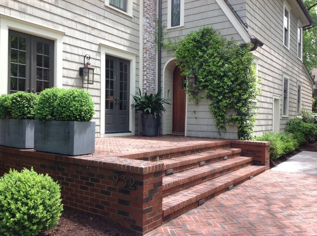 Dilworth Front Garden traditional-landscape