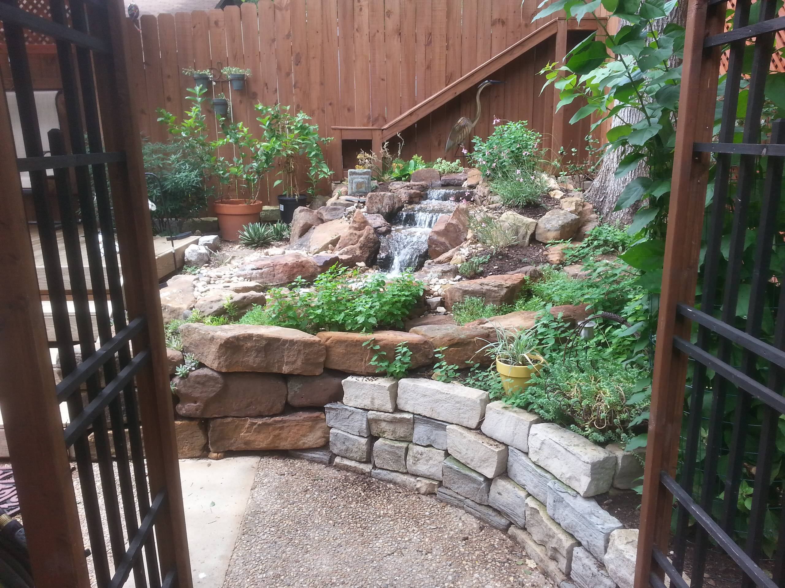 75 Beautiful Mulch Water Fountain Landscape Pictures Ideas March 2021 Houzz