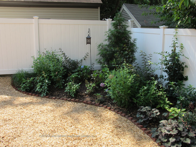 Mulch Backyard Dogs : Landscape Architects & Landscape Designers