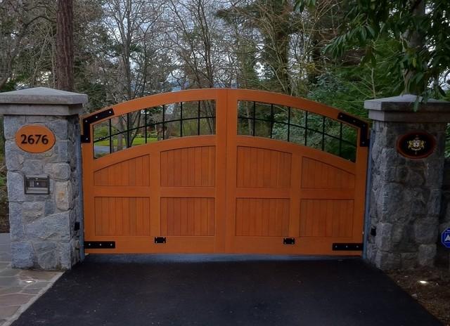 Double Swing Custom Wood Driveway Gate Traditional