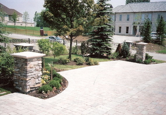 Stone Entrance Pillars : Driveway entrance precast stone pavers columns