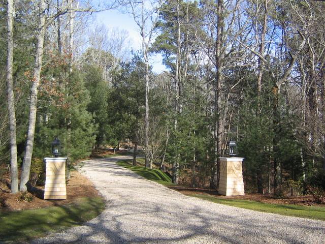 driveway entrance traditional landscape