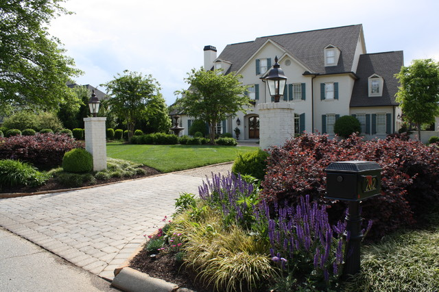 Driveway Entry American Traditional Garden Other By Graham Kimak Landscape Designs