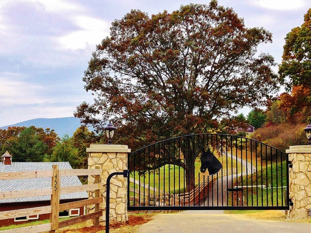 Driveway Gate For Jefferson Nc Horse Farm Farmhouse