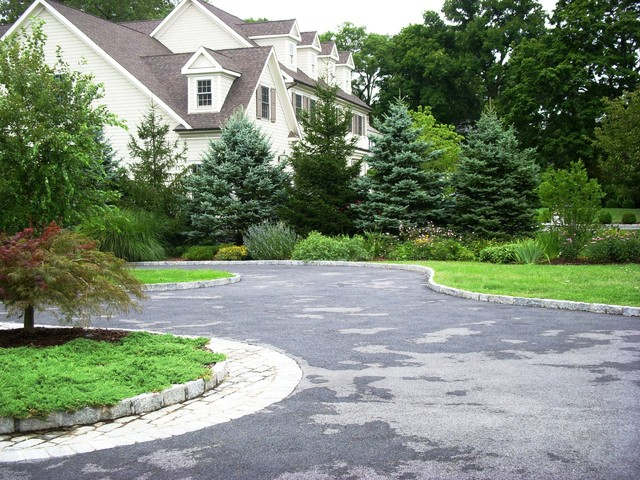 Driveway Landscape Renovation Traditional Landscape