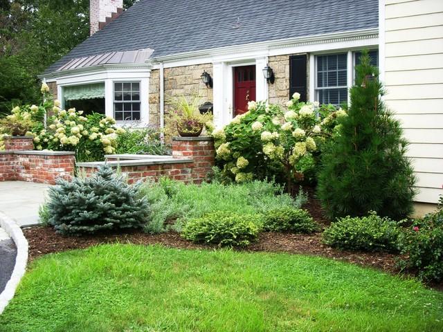 Driveway landscape renovation traditional landscape for Landscape design associates
