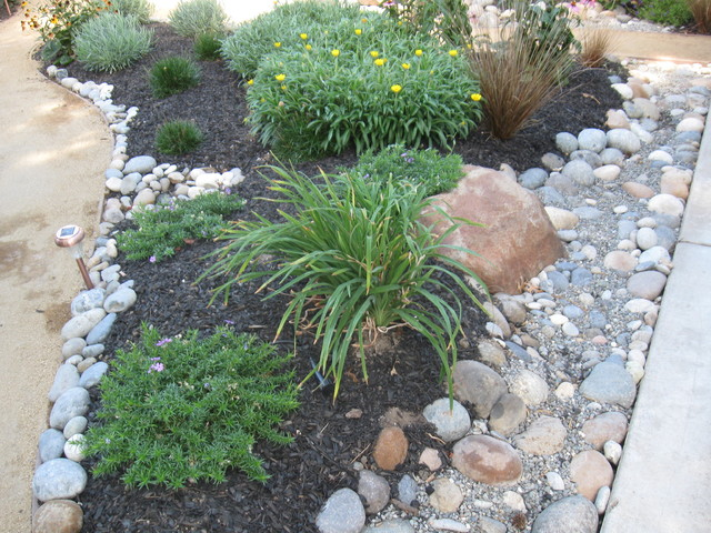 Front yard landscaping low maintenance pdf for Low maintenance small front garden