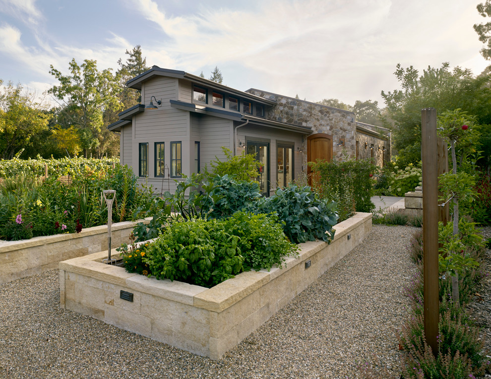 Photo of a farmhouse full sun gravel vegetable garden landscape in San Francisco.