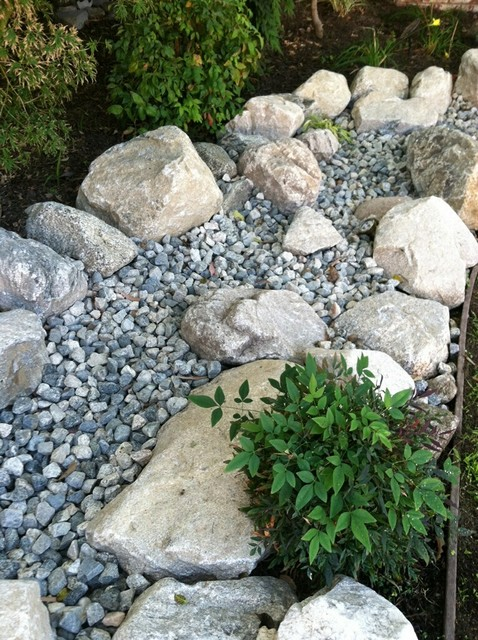 Dry creek riverbed and front yard softscape design with for Landscaping rocks in los angeles