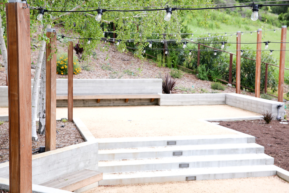 Photo of a large contemporary full sun hillside landscaping in San Francisco.