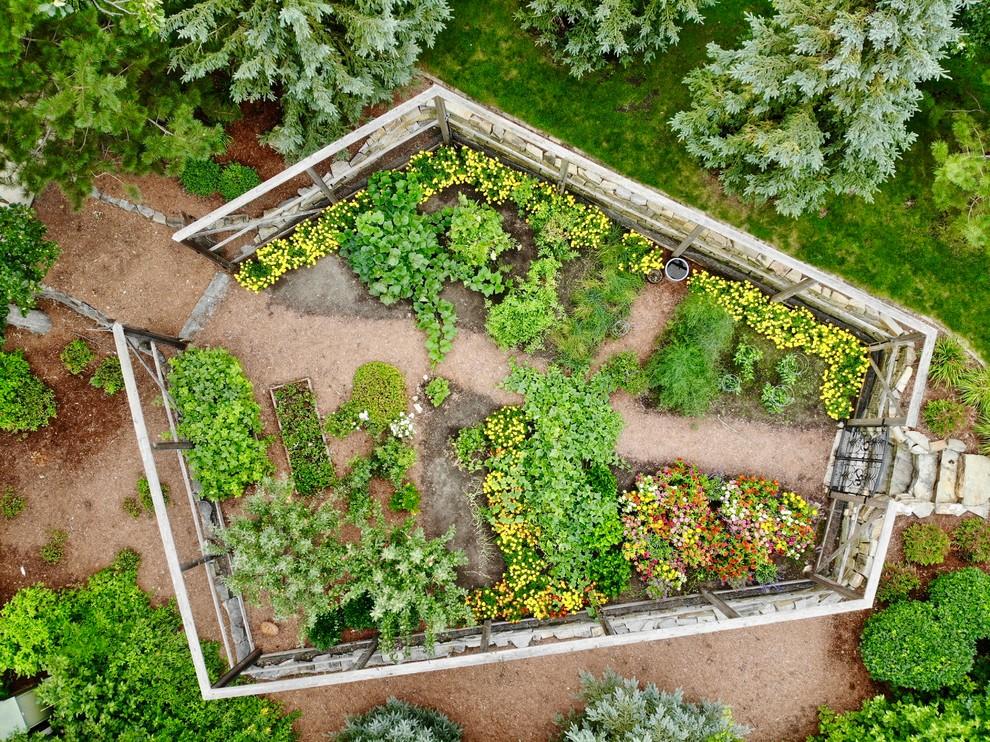 Enclosed vegetable garden - Traditional - Landscape ...