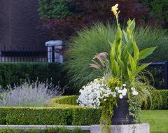 Endowment Estate traditional-landscape