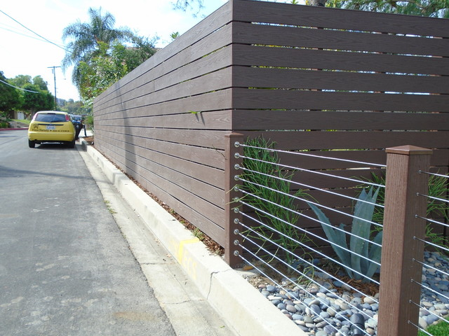 Endwood Vinyl Semi-Privacy Fence & Stainless Steel Cable ...